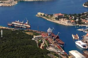Razvoj Kraljevice kao ratne luke i brodogradilišta započeo je 1729. godine