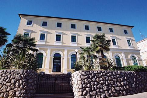 Društveni dom Zora u Opatiji
