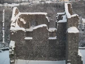 Crekvina pod snijegom