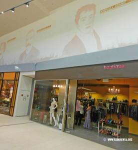 Portreti znamenitih Riječana u trgovačkom centru na Krnjevu