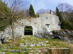 Kaštel Kožljak na obroncima Učke, u vlasništvu riječkog kapetana Francesca Barba, bio je žarište protestantizma u Istri i na Kvarneru