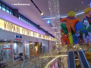 Stihovi Drage Gervaisa u trgovačkom centru West Gate u Zaprešiću