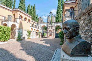 Gabrele D'Annunzio: Vittoriale degli italiani